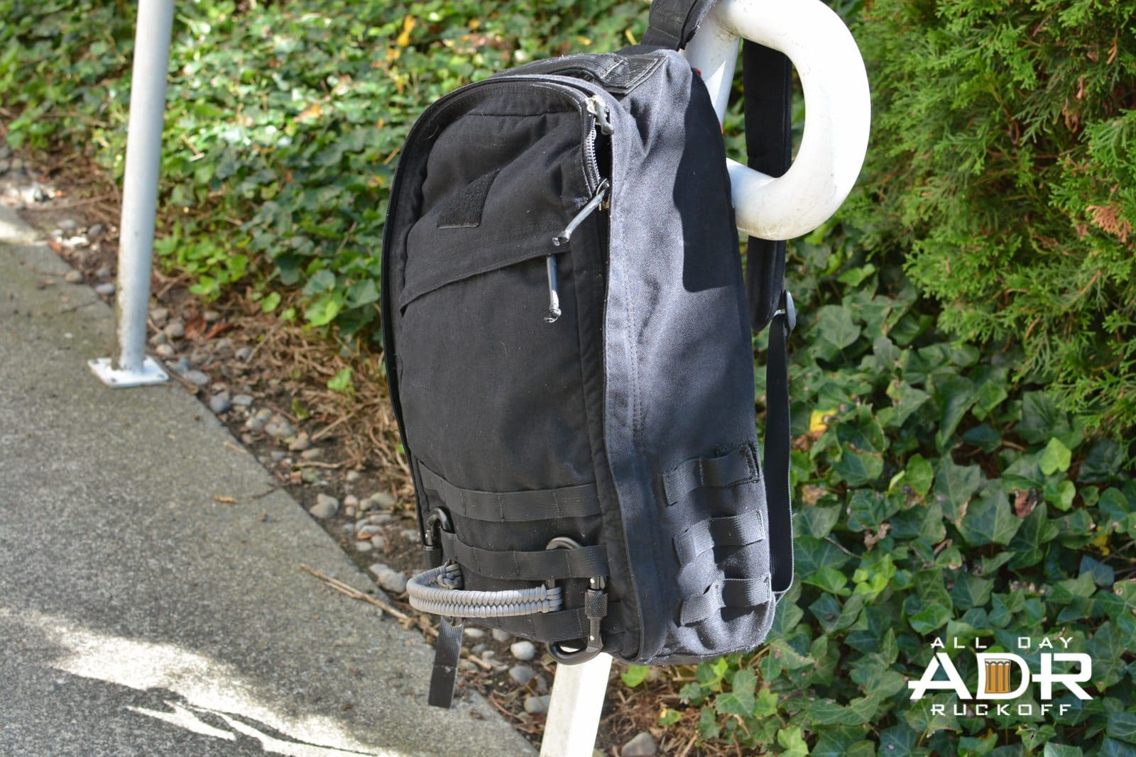 Fish Tail Handle On Ruck Distance Wide