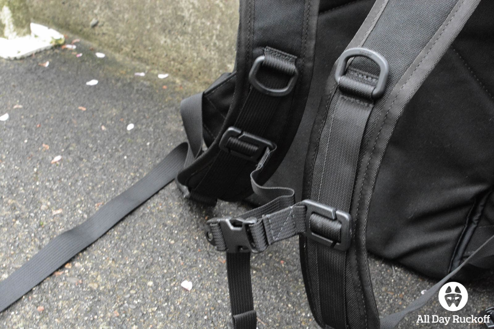 Tactical Tailor Removable Operator Pack - Chest Strap