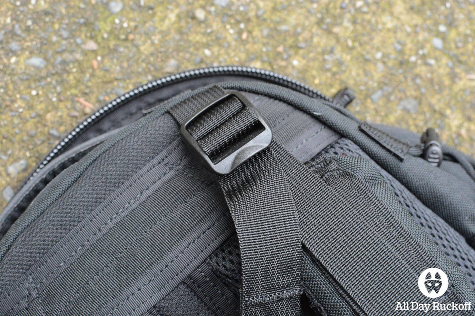 Triple Aught Design Litespeed Review - Shoulder Straps Top