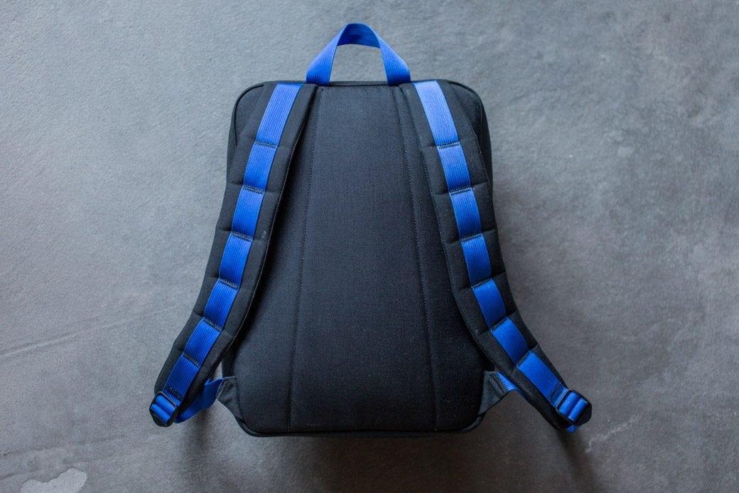 gr-kid-ruck-black-blue-back