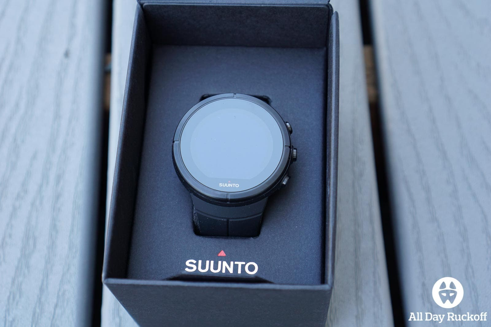 Suunto Spartan Ultra Titanium Black - Box Open